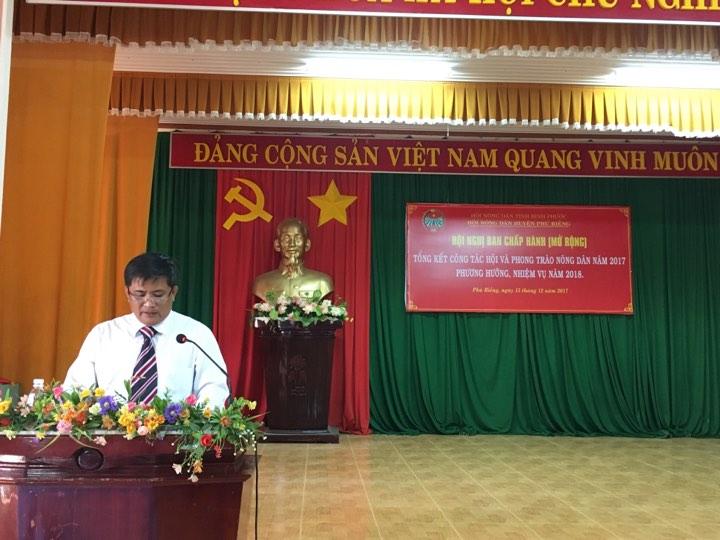 Ông Nguyễn Quang Tích – Chủ tịch Hội Nông dân huyện phát biểu khai mạc hội nghị.