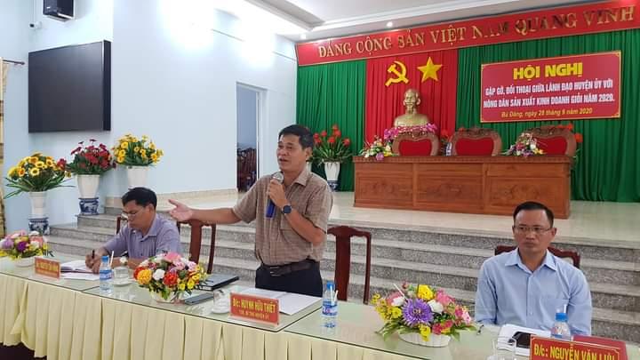 Đ/c Huỳnh Hữu Thiết –TUV, BT Huyện ủy phát biểu tại Hội nghị